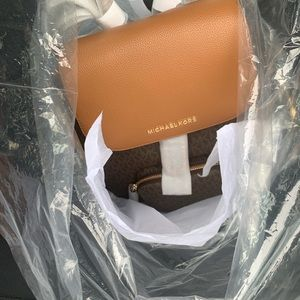 Michael KORS BAG WITH ORIGINAL PACKING AND TAGS